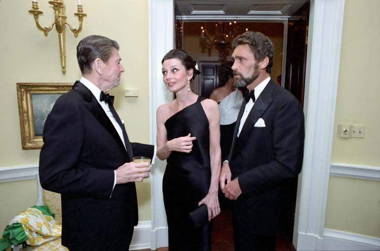 Audrey Hepburn y Ronald Reagan