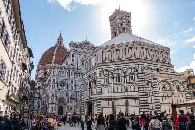 Baptisterio de San Juan, Florencia, admirado por Elizabeth