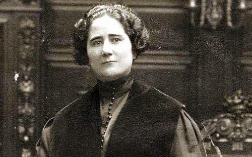 En 1933, cuando Clara Campoamor era miembro del Parlamento Español. Crédito: ibtimes