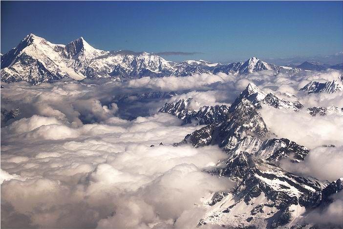 La montaña Shisha Pangma. Crédito: el fotógrafo Swinelin, en wikpedia