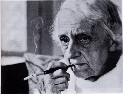 María Zambrano anciana