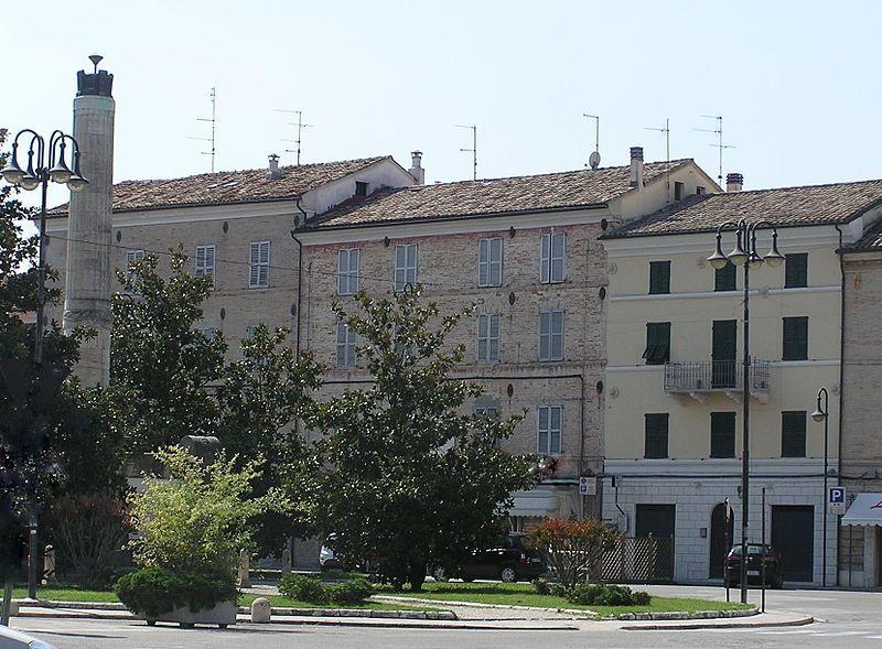 Casa natal de María Montessori, en la Plaza Mazzini di Chiaravalle, en Aucana