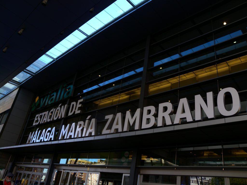 """Estación de tren """"María Zambrano"""" en Málaga"""