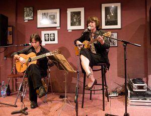 Violeta Parra y Roberto Trenca, en París. Crédito: Luigi Morante
