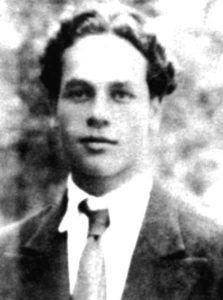 El joven Nicanor Parra, hermano de Violeta, cuando era estudiante en el Instituto Pedagógico de la Universidad de Chile. Crédito: web cervantesvirtual.com