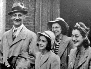 Otto, Ana, Margot y Edith Frank. Crédito: web cienciahistorica.com