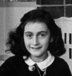 Frank, en 1940. Crédito: Wikipedia. Fundación Ana Frank