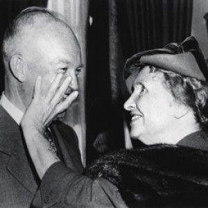 Helen Keller con el Presidente Dwight Eisenhower. Crédito: M.Alfaro web hellenkeññerfoundation.org