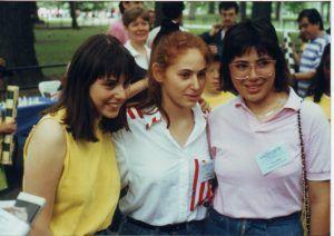 Sofía, Judit y Susan en un torneo de ajedrez en el Central Park, Nueva York, el 4 de julio de 1988. Crédito: Wikipedia. R.Cottrell