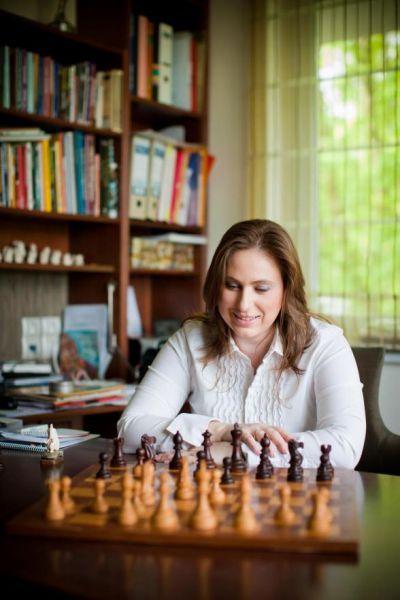 Judit Polgar dedicada a la divulgación del ajedrez en las escuelas. Crédito: web juditpolgar.com