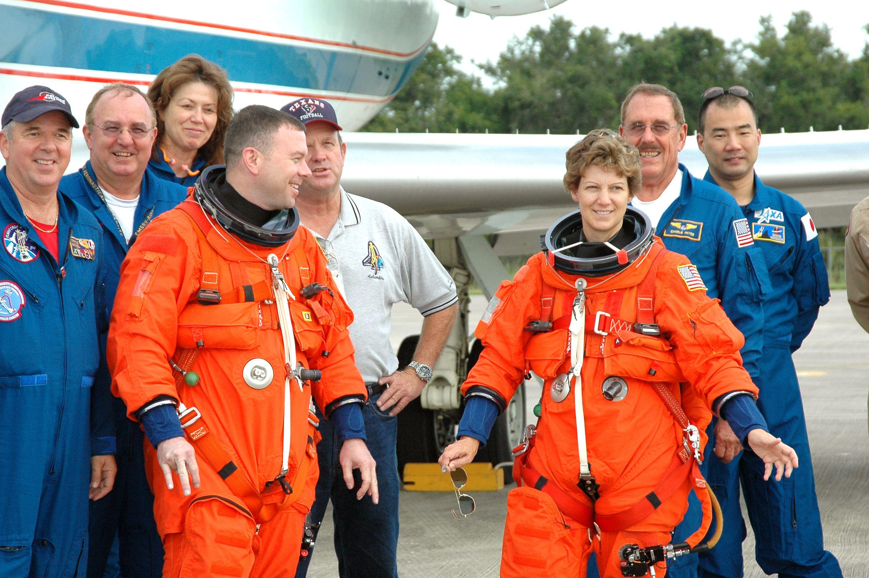 La tripulación del Discovery, el 12 de julio de 2005. Crédito: NASA