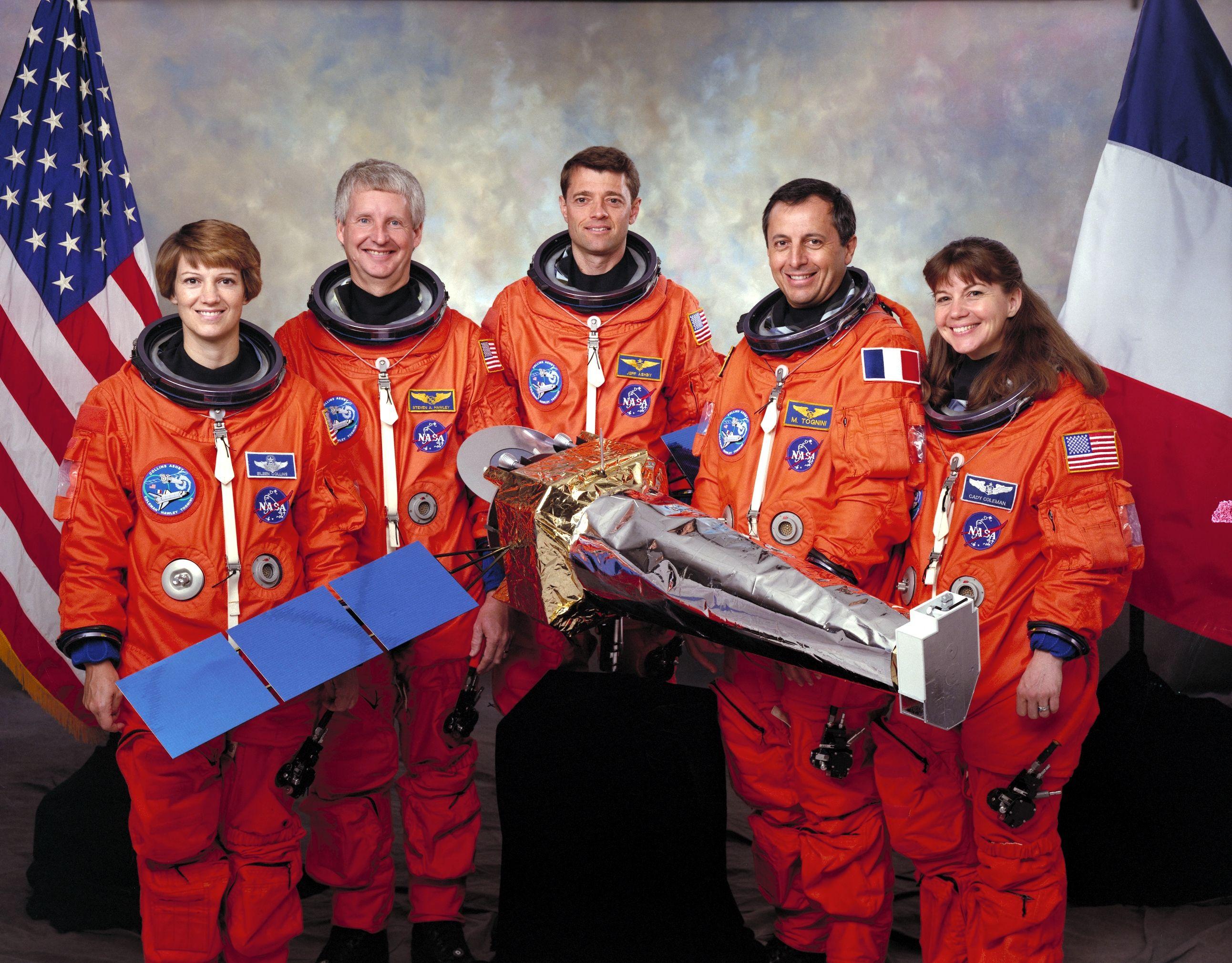 La tripulación de la Misión STS-93, en septiembre de 1998. Crédito: Wikipedia