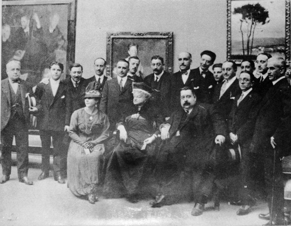 Emilia Pardo Bazán durante la Exposición Regional de Arte Gallego,en La Coruña, 1917. Crédito: Wikimedia
