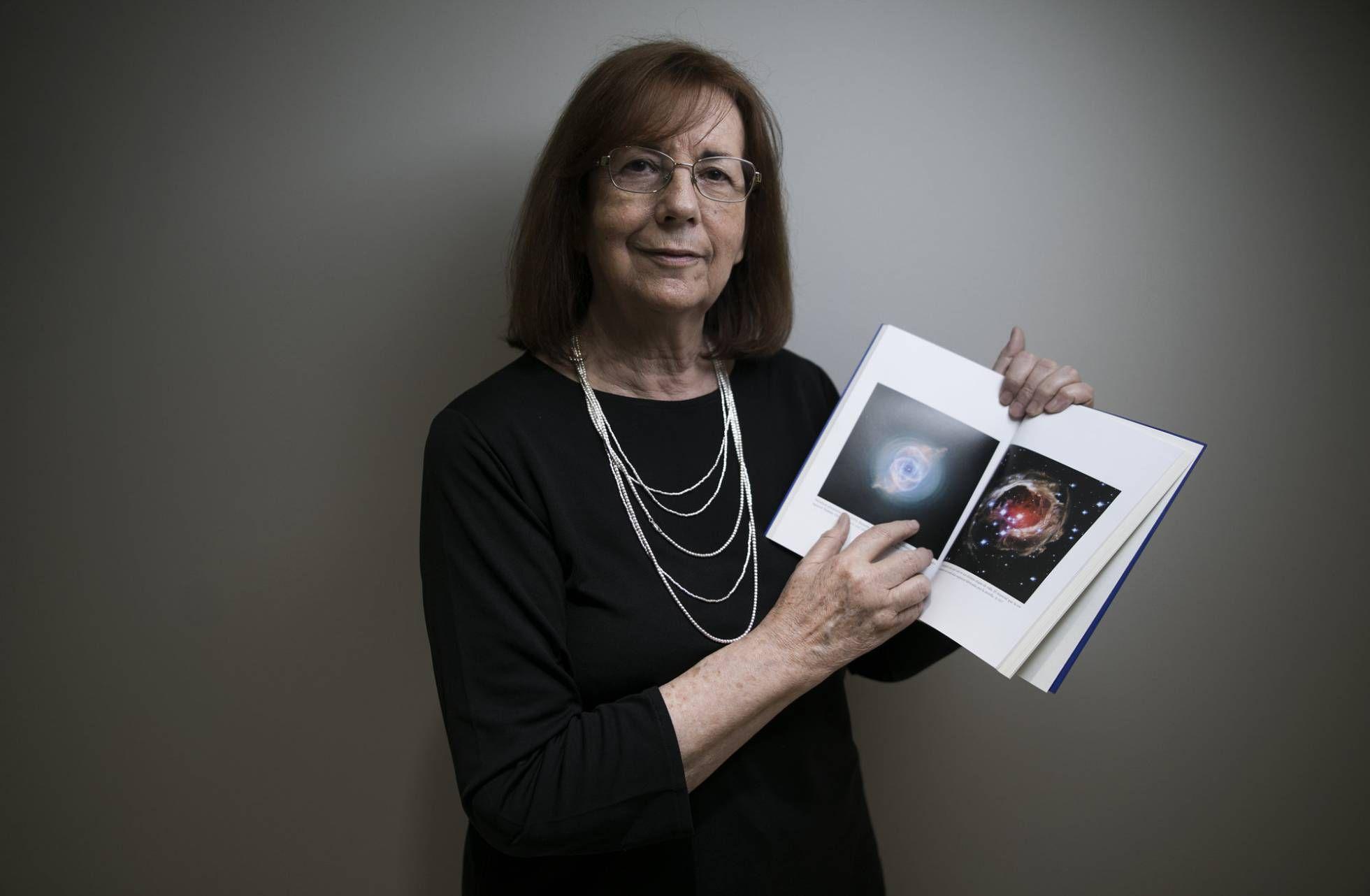 """María Teresa Ruiz es autora del magnífico libro """"Hijos de las estrellas"""". Crédito: Javier Sampedro. web elpais.com"""