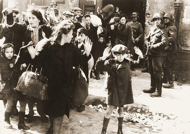 En Varsovia, los judíos polacos fueron condenados a los campos de la muerte. Crédito: Wikipedia