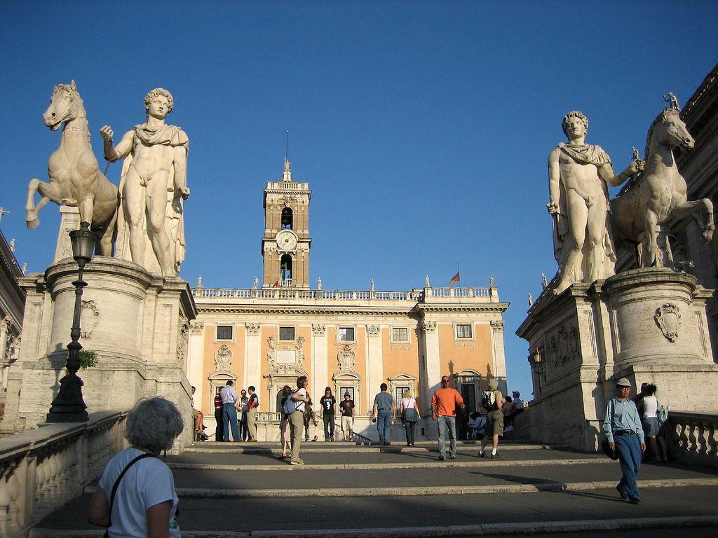 Plaza del Capitolio, en la cima de la colina Capitalina. Crédito: Bernhart Jeff. Wikimedia.