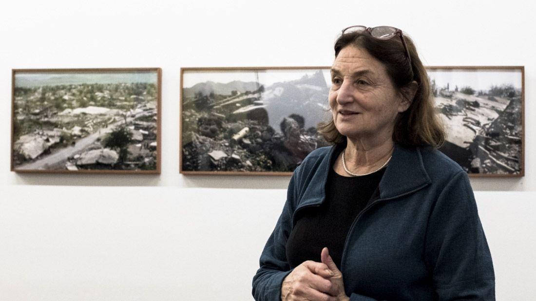 Susan Meiselas es una fotógrafa documentalista que durante casi 50 años ha retratado la cruda realidad en América Latina. Crédito: web elestimulo.com