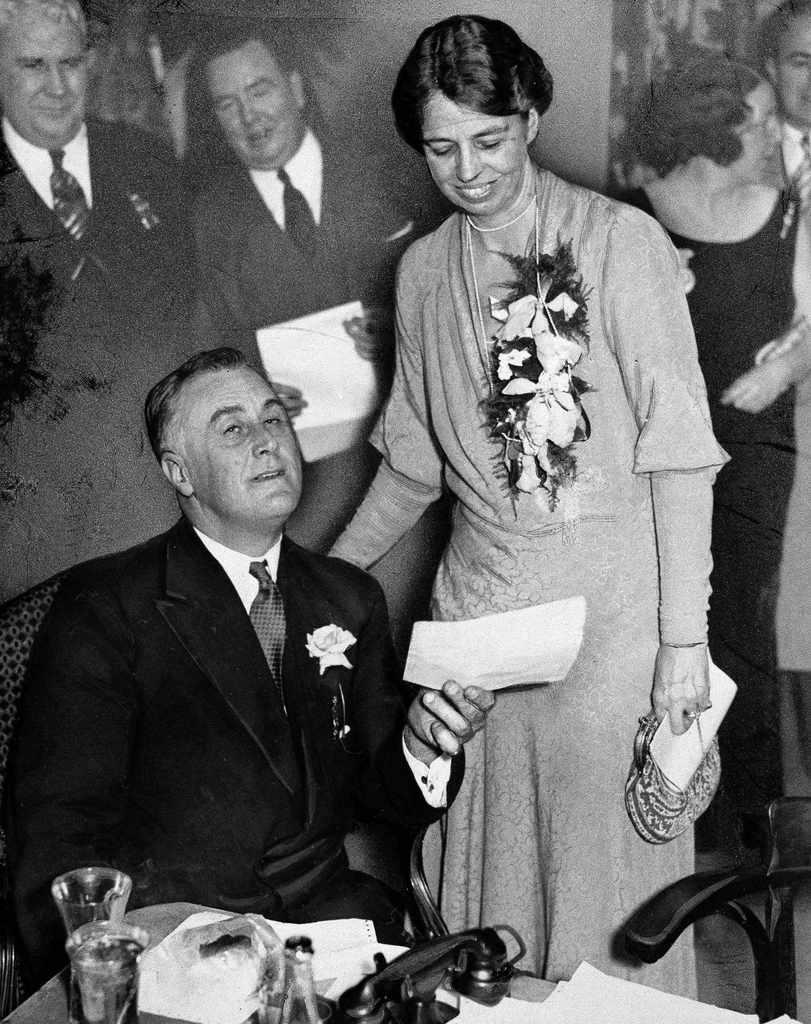 Franklin D. Roosevelt y su esposa Eleanor en marzo 1933. Crédito: web bangordailynews.com