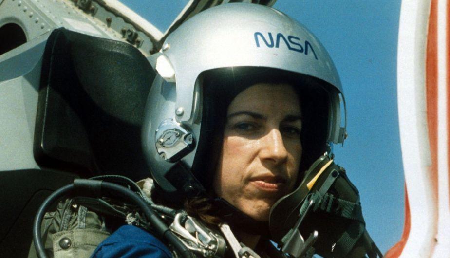 Ellen Ochoa además de estar altamente cualificada en ciencias, obtuvo la licencia de piloto de aviones. Crédito: web peru.com