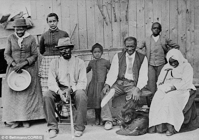 Familia de esclavos en el sur de Estados Unidos, a mediados del siglo XIX. Crédito: web milenio.wordpress.com