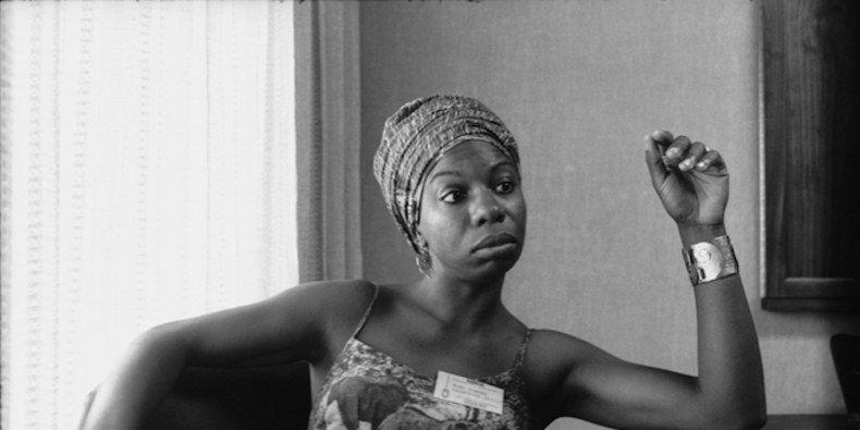 Cuando Eunice pasó a llamarse Nina Simone. Crédito: Foto de Vernon Merrit III, web pitchfork.com