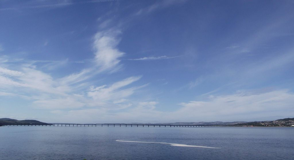 Puente del ferrocarril que lleva a Dundee. Crédito: Dave Conner. Web flickr.com