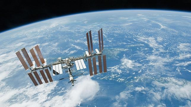 """Mir significa paz"""" en ruso. Fue la primera estación espacial. Crédito: web abc.es/20121112/ciencia"""