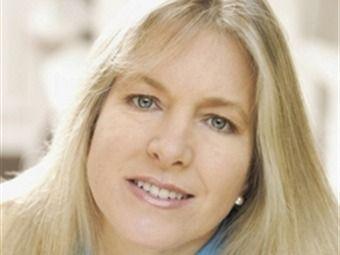 Karin Ebensperger cuando era un poco más crecidita. En 2012 era periodista y analista internacional. Crédito: web adnradio.cl