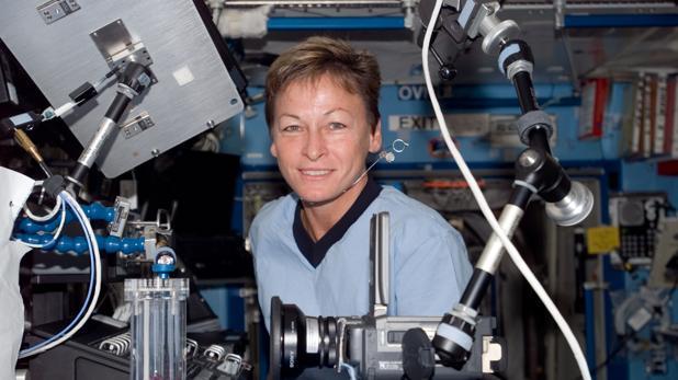 La astronauta Peggy Whitson a bordo de la Estación Espacial Internacional. Crédito: web abc.es/ciencia