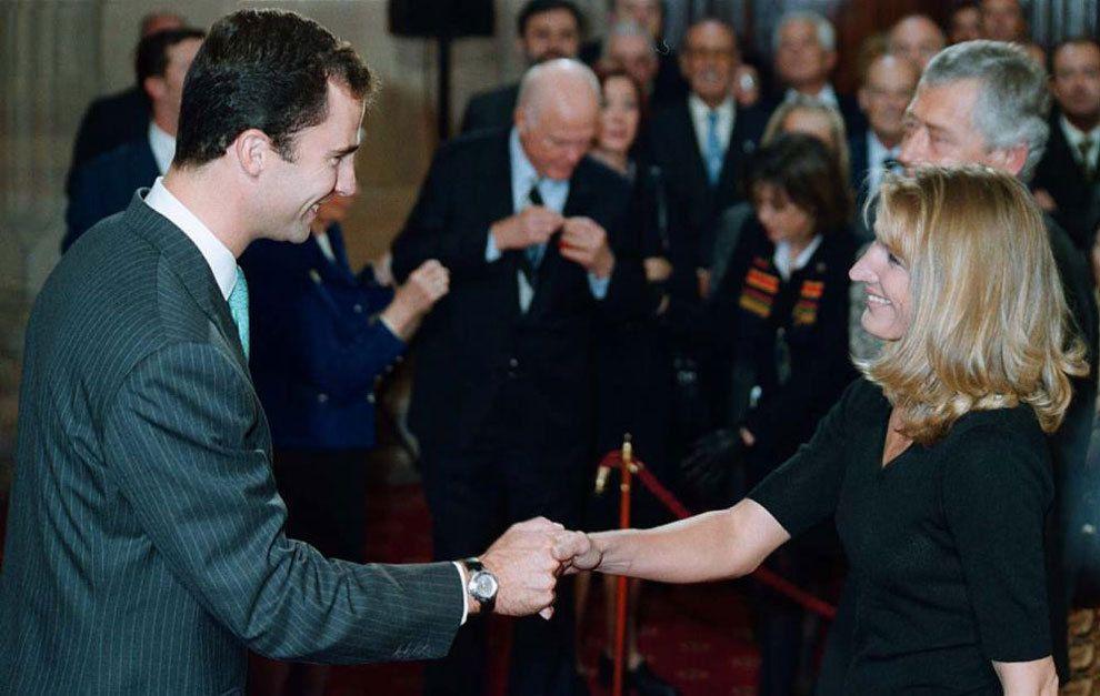 Steffi Graff saluda al Príncipe de Asturias, Don Felipe. Stefi fue galardonada por ser una campeona de excepción. Crédito: web marca.com