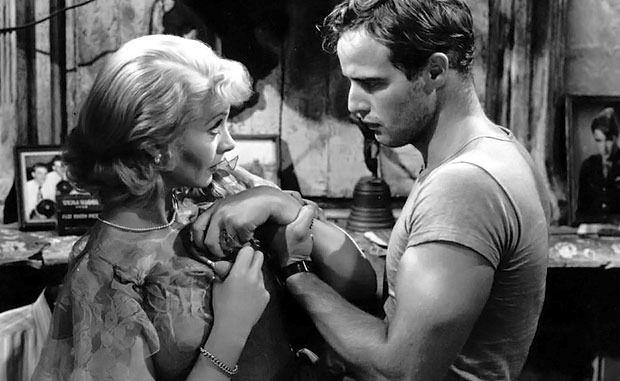 """Vivien Leigh y Marlon Brando en una escena de la película """"Un tranvía llamado deseo"""". Crédito: web ruasmagazine.es"""