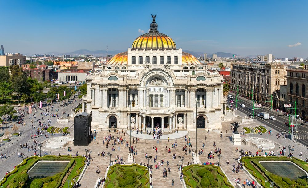 El Palacio de Bellas Artes es el centro cultural más importante de México, declarado monumento cultural por la UNESCO. Crédito: web miviaje.com
