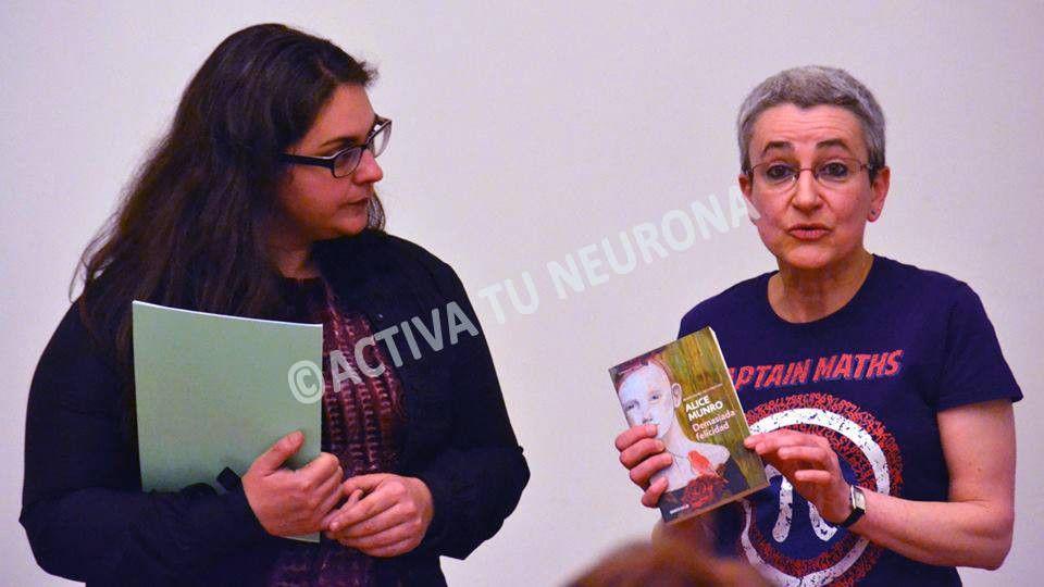 Marta Macho en 2015, cuando recibió el Premio de la Universidad de Alicante. Crédito: web activatuneurona.wordpress.com