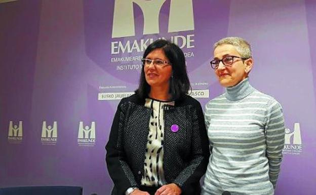 Marta Macho junto a Izaskun Landa, directora del Instituto Vasco de la Mujer. Crédito: web diariovasco.com el 2 de marzo de 2018