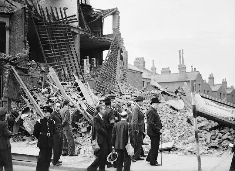 Extensos barrios de Londres fueron destruidos por las bombas V1lemanas lanzadas desde Francia y Bélgica.