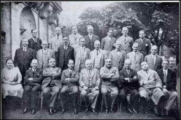 Participantes en el torneo de Carlsbad. Vera abajo en el extremo izquierdo, es la única mujer. Crédito: web aquenofunciona.blogspot.com