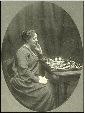 La británica Edith Price ganó cinco veces el Campeonato Británico de Ajedrez Femenino. Crédito: Antonio Bonnin, web pinterest.com