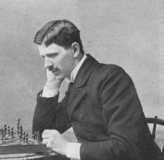 Géza Maróczy, ingeniero y maestro húngaro de ajedrez, uno de los mejores jugadores del mundo de su época. Crédito: web chessajedrez.com