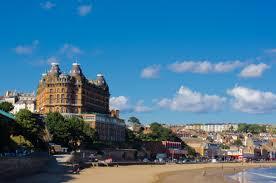 Scarborough es una ciudad situada en la coste del mar del Norte en Yorkshire. Crédito: autor, Thomas Tolkien, web es.m.wikipedia.org