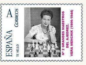 """Vera Menchik en una colección de sellos de España. Enlace a la publicación de amigos del ajedrez, con la partida """"Inmortal"""" de Vera Menchik."""