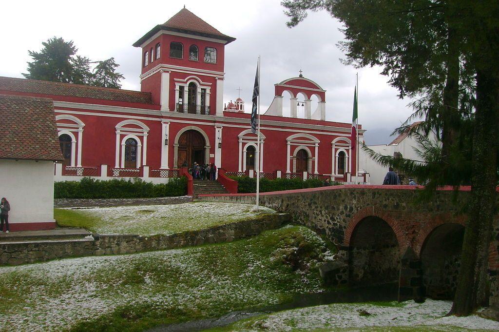 Frontispicio de la hacienda de Panoaya, que perteneció al abuelo de Sor Juana Inés de la Cruz. Crédito: Wikipedia