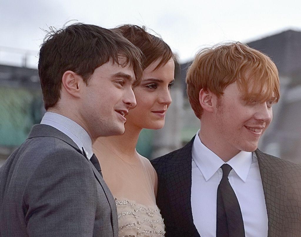 Los tres principales actores en las películas de Harry Potter: Daniel Radcliffe, Emma Watson y Rupert Grint. Crédito: Wikipedia