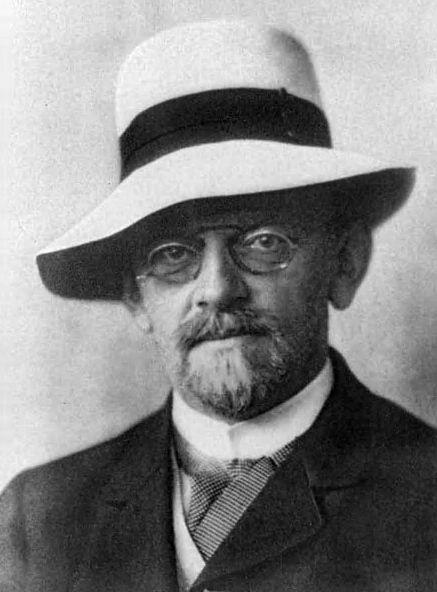 Emmy Noether recibió ayuda de David Hilbert