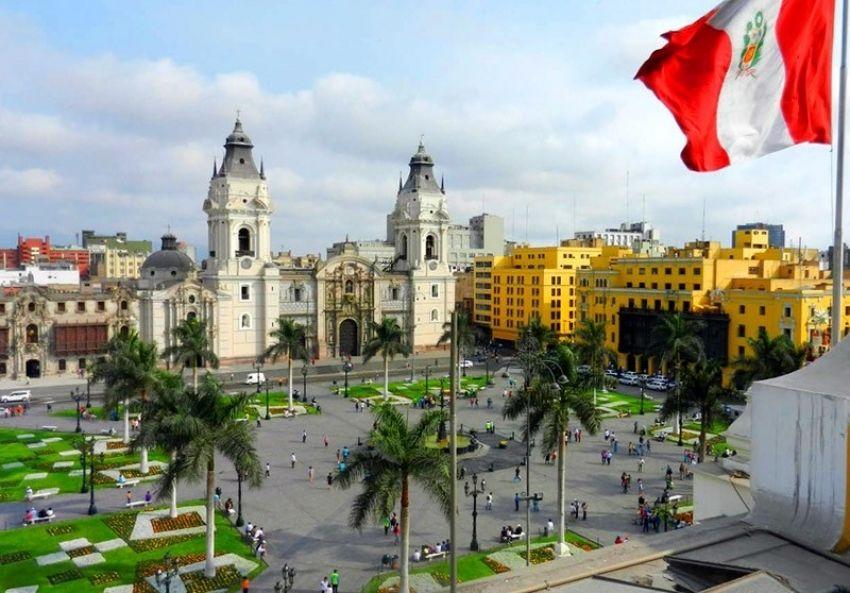 Isabel Allende nació en Lima