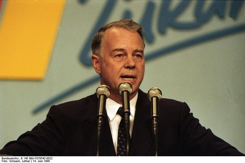 Ernst Albrecht padre de Ursula