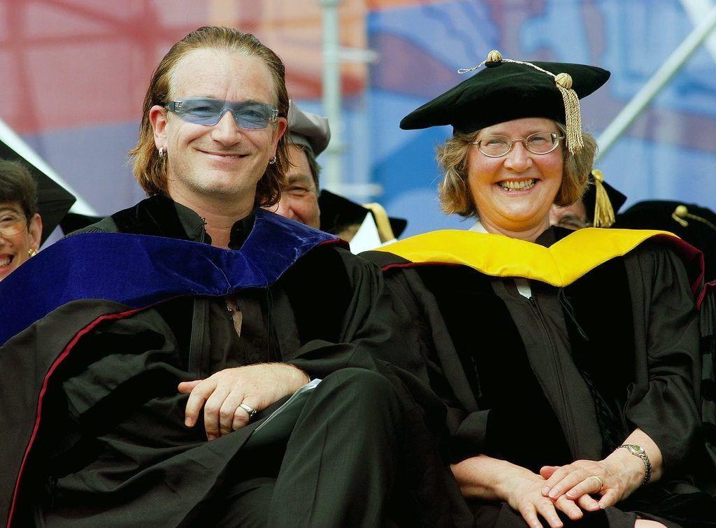 Elizabeth Blackburn y Bono